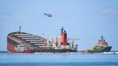 the wakashio broken up off the coast of mauritius